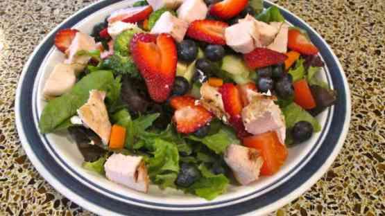 Summer Berry Salad with Raspberry Vinaigrette Dressing